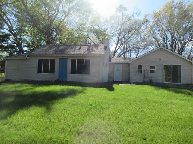 56950 Point Road, Cassopolis, MI 49031 (MLS #21016159) :: Deb Stevenson Group - Greenridge Realty