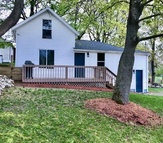 62 W Water Street, Newaygo, MI 49337 (MLS #21016545) :: BlueWest Properties