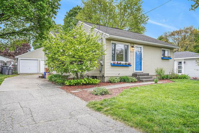 3912 Balsam Avenue NE, Grand Rapids, MI 49525 (MLS #21016562) :: Ginger Baxter Group