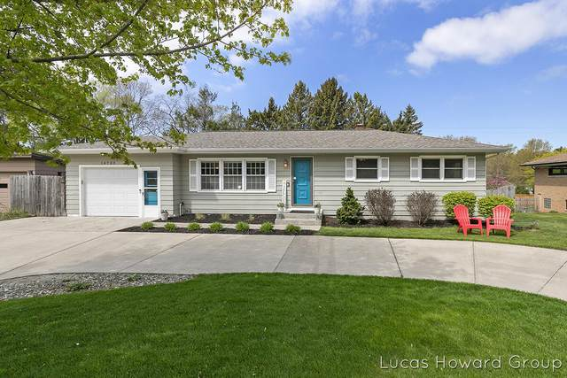 14705 Lakeshore Drive, Grand Haven, MI 49417 (MLS #21016626) :: Your Kzoo Agents