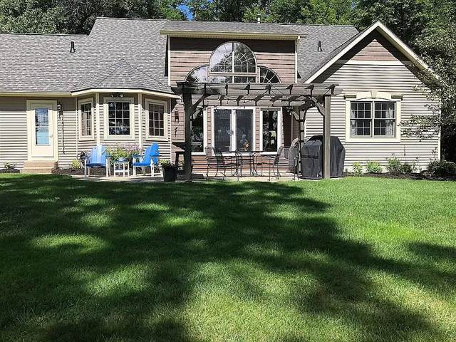 5858 E 52nd Street, Newaygo, MI 49337 (MLS #21016651) :: BlueWest Properties