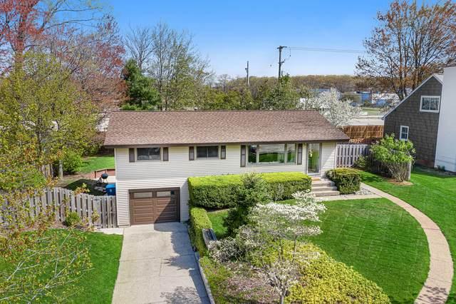 1842 Bonneville Drive, Norton Shores, MI 49441 (MLS #21016697) :: BlueWest Properties