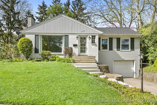 1835 Amhurst Street NE, Grand Rapids, MI 49503 (MLS #21016758) :: BlueWest Properties