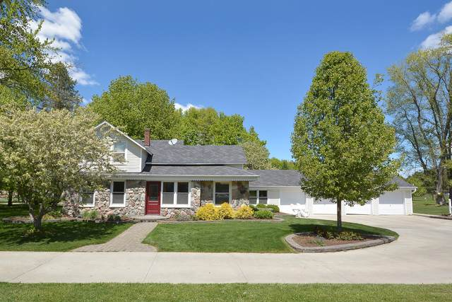 9917 S 12th Street, Schoolcraft, MI 49087 (MLS #21016797) :: Your Kzoo Agents