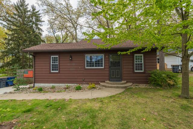 1322 Lakeview Drive, Portage, MI 49002 (MLS #21016801) :: Your Kzoo Agents