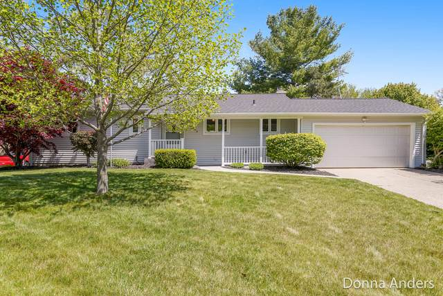 2493 Northville Drive NE, Grand Rapids, MI 49525 (MLS #21016913) :: JH Realty Partners