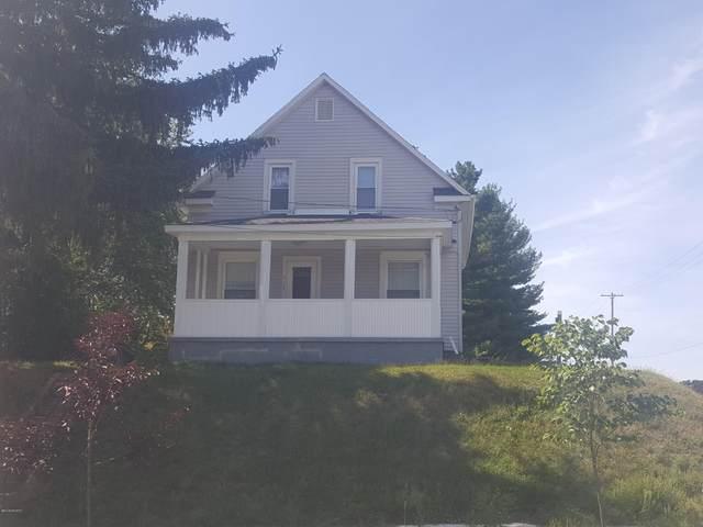 517 Houseman Avenue NE, Grand Rapids, MI 49503 (MLS #21017030) :: Keller Williams Realty | Kalamazoo Market Center
