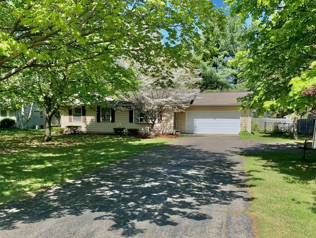 8547 Gull Road, Richland, MI 49083 (MLS #21017115) :: Your Kzoo Agents