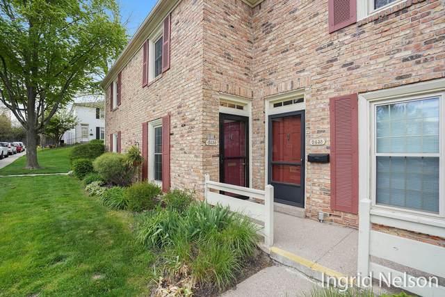 2436 Abbington Drive SE, Grand Rapids, MI 49506 (MLS #21017190) :: JH Realty Partners