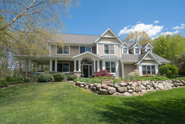 6331 Cullys Trail, Portage, MI 49024 (MLS #21017236) :: Your Kzoo Agents