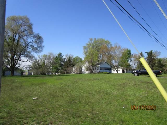 739 W 7th Street, Evart, MI 49631 (MLS #21017548) :: BlueWest Properties