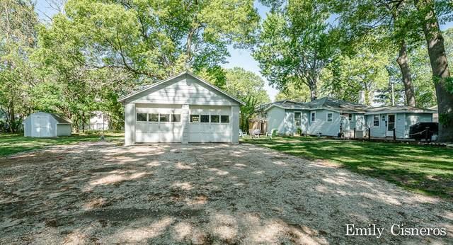 17219 Lane Avenue, Spring Lake, MI 49456 (MLS #21019538) :: BlueWest Properties