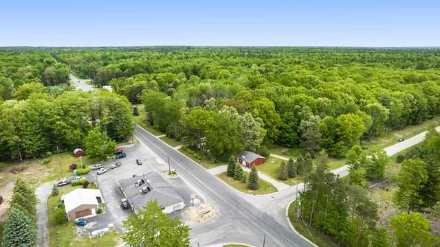 3628 N Jebavy Drive, Ludington, MI 49431 (MLS #21019806) :: Deb Stevenson Group - Greenridge Realty