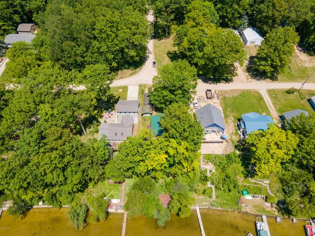 10073 Lakeshore Drive, Chippewa Lake, MI 49320 (MLS #21019913) :: Sold by Stevo Team | @Home Realty