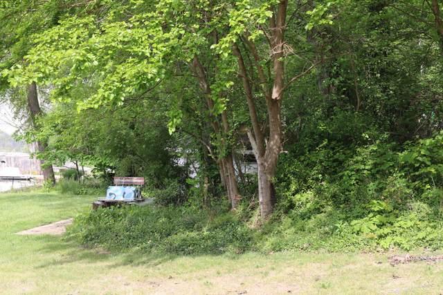32449 Wildwood Drive, Dowagiac, MI 49047 (MLS #21020380) :: Ginger Baxter Group