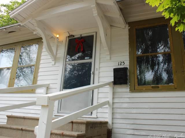 125 Parker Avenue, Benton Harbor, MI 49022 (MLS #21020476) :: CENTURY 21 C. Howard