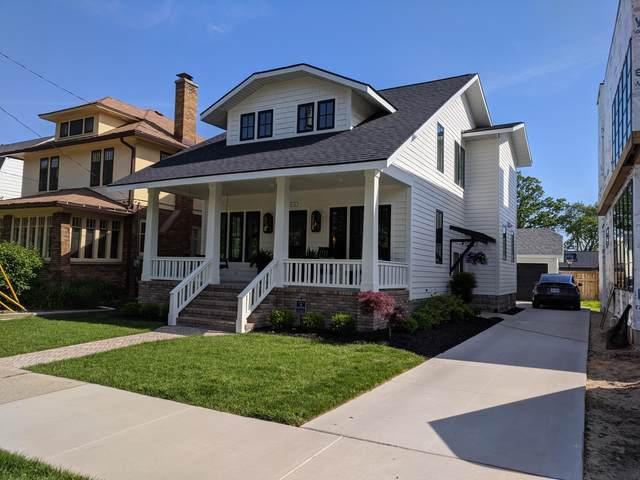 2111 Lake Drive SE, East Grand Rapids, MI 49506 (MLS #21020748) :: JH Realty Partners