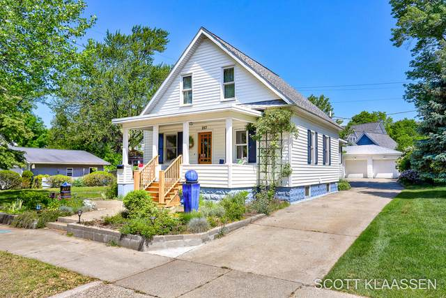 217 Sherman Avenue, Grand Haven, MI 49417 (MLS #21020898) :: BlueWest Properties