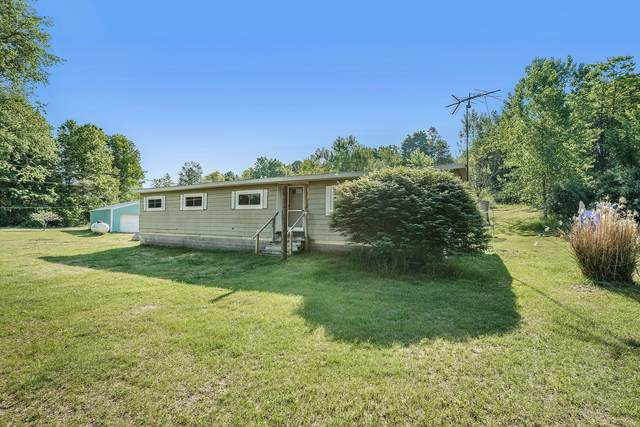 1037 38th Street, Allegan, MI 49010 (MLS #21020975) :: Deb Stevenson Group - Greenridge Realty