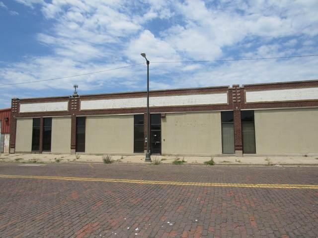 155 W Wall Street, Benton Harbor, MI 49022 (MLS #21020994) :: CENTURY 21 C. Howard