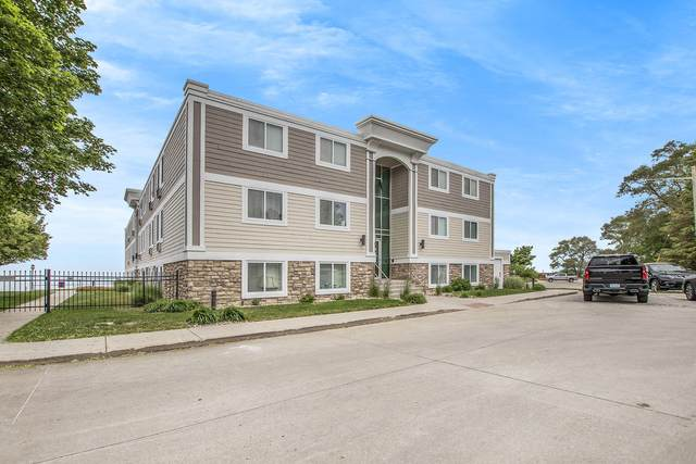 225 North Shore Drive #212, South Haven, MI 49090 (MLS #21021323) :: JH Realty Partners
