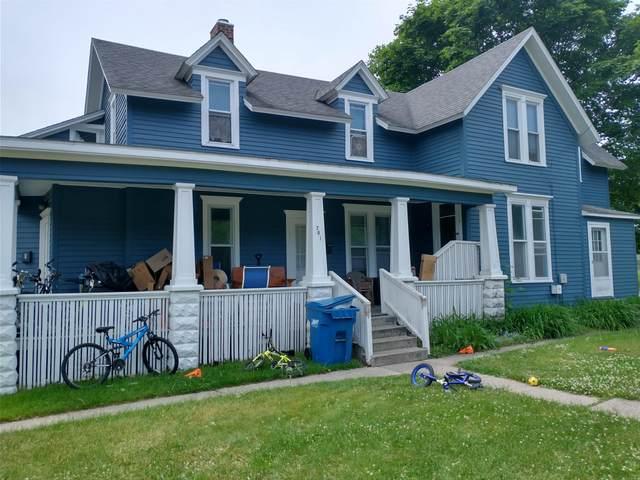 701 Maple Street, Manistee, MI 49660 (MLS #21021449) :: Deb Stevenson Group - Greenridge Realty