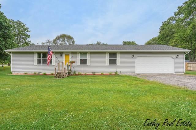 820 Emory Street, Howard City, MI 49329 (MLS #21021602) :: Ginger Baxter Group