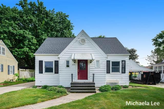 2033 7th Street NW, Grand Rapids, MI 49504 (MLS #21021613) :: BlueWest Properties