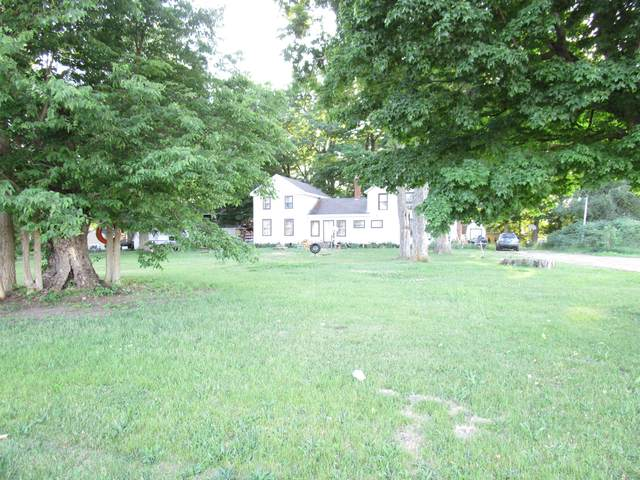 364 N Matteson Lake Road, Bronson, MI 49028 (MLS #21021640) :: The Hatfield Group