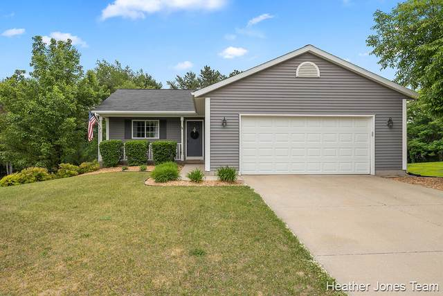 7333 Mid Timber Drive, Greenville, MI 48838 (MLS #21021645) :: JH Realty Partners