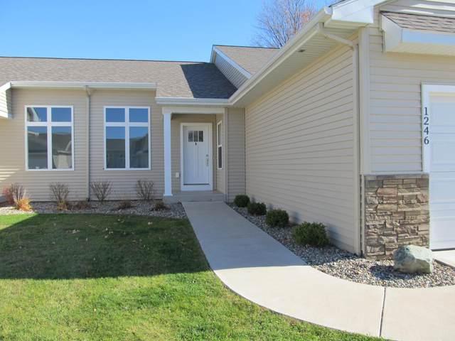 1362 S Village Circle, Kalamazoo, MI 49009 (MLS #21021801) :: CENTURY 21 C. Howard