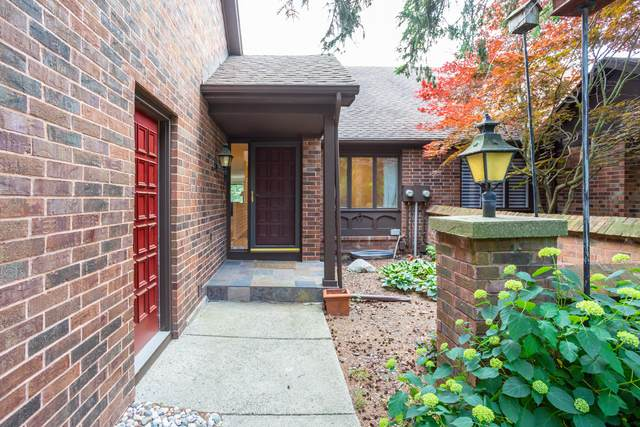 3146 E Gatehouse Drive SE #38, Grand Rapids, MI 49546 (MLS #21022028) :: Your Kzoo Agents