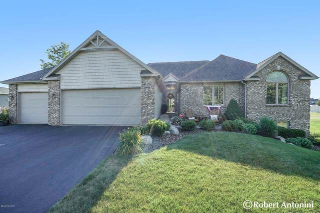 5657 Bloomfield Drive, Grandville, MI 49418 (MLS #21022076) :: Keller Williams Realty | Kalamazoo Market Center