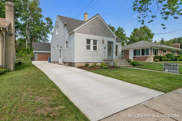 1529 Escott Avenue NW, Grand Rapids, MI 49504 (MLS #21022175) :: Your Kzoo Agents