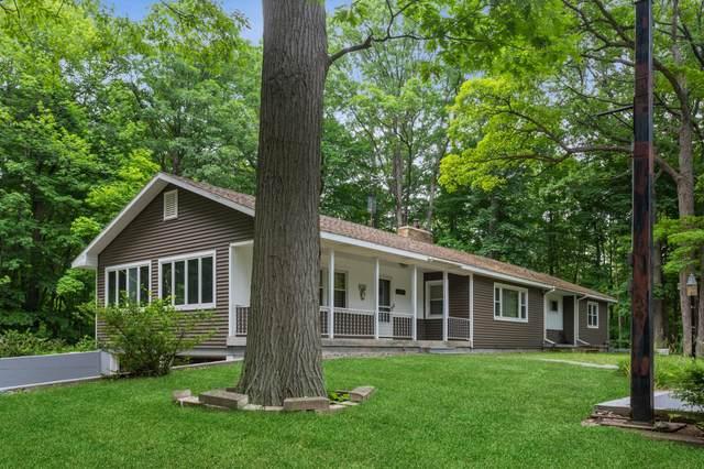 12537 S Wolcott Avenue, Sawyer, MI 49125 (MLS #21022339) :: JH Realty Partners