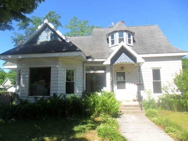 319 Mcomber Street, Dowagiac, MI 49047 (MLS #21022386) :: CENTURY 21 C. Howard
