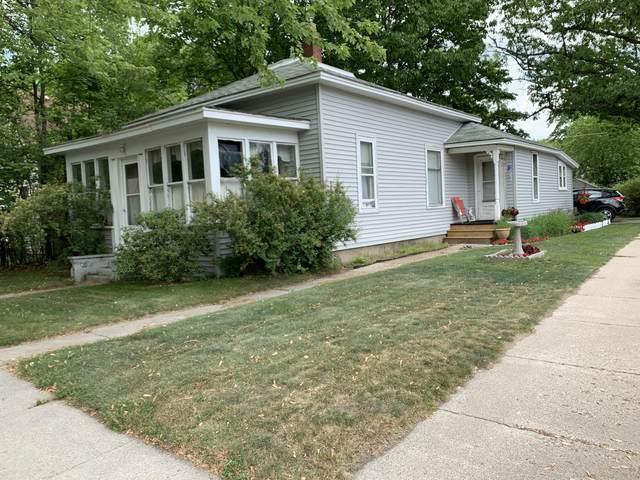 702 N Rowe Street, Ludington, MI 49431 (MLS #21022467) :: CENTURY 21 C. Howard