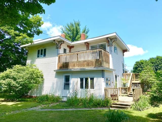 532 W Sherman Street, Carson City, MI 48811 (MLS #21022646) :: BlueWest Properties