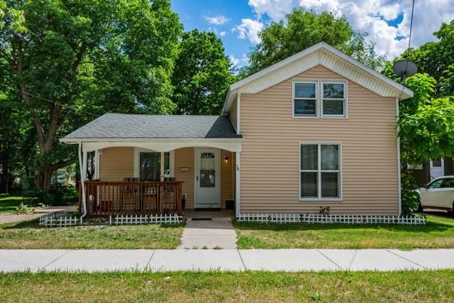 38 Mead Street, Hillsdale, MI 49242 (MLS #21022717) :: Ginger Baxter Group