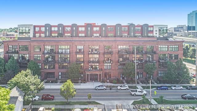 600 Broadway Avenue NW #328, Grand Rapids, MI 49504 (MLS #21022909) :: BlueWest Properties