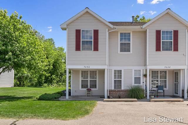 7030 S Cannon Place Lane NE #27, Rockford, MI 49341 (MLS #21023069) :: BlueWest Properties