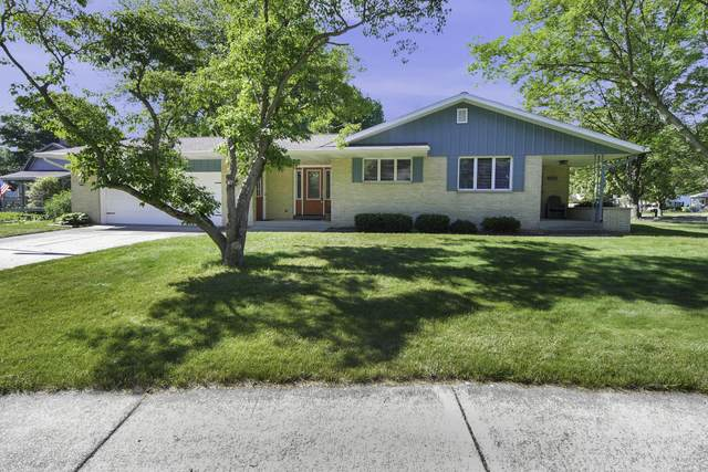 997 Colonial Court, Holland, MI 49423 (MLS #21023102) :: Ginger Baxter Group