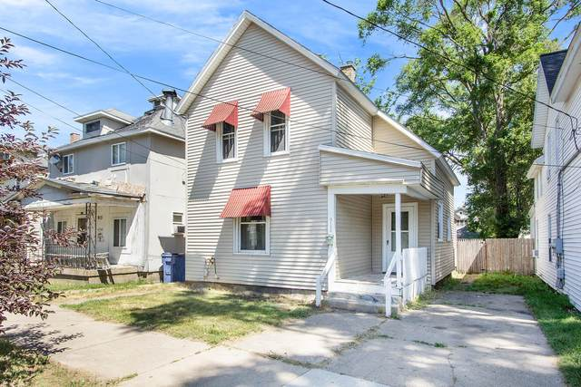 911 Crosby Street NW, Grand Rapids, MI 49504 (MLS #21023118) :: BlueWest Properties