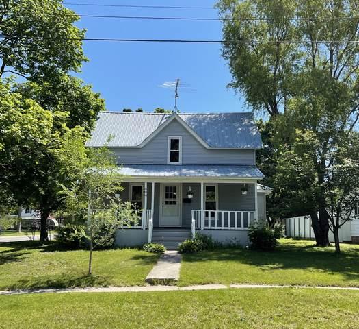 404 S Division Avenue, Fremont, MI 49412 (MLS #21023137) :: Ginger Baxter Group