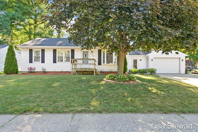 4724 Burgis Avenue SE, Kentwood, MI 49508 (MLS #21023149) :: BlueWest Properties
