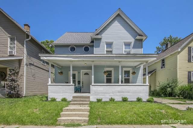 23 Palmer Street NE, Grand Rapids, MI 49505 (MLS #21023164) :: Ginger Baxter Group