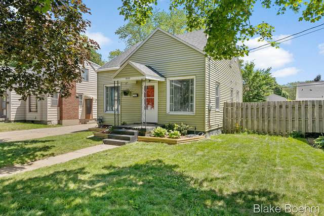 1660 Widdicomb Avenue NW, Grand Rapids, MI 49504 (MLS #21023168) :: BlueWest Properties