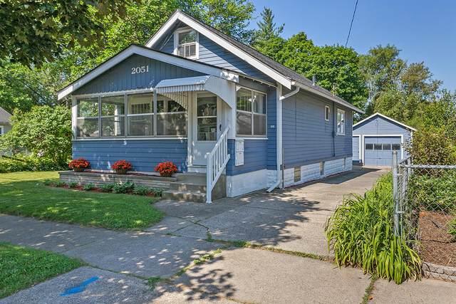 2051 Sinclair Avenue NE, Grand Rapids, MI 49505 (MLS #21023180) :: Ginger Baxter Group