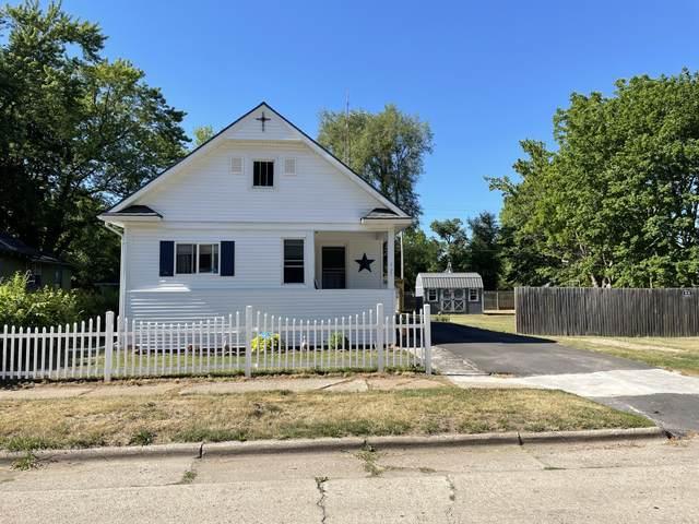 595 Clay Street, Benton Harbor, MI 49022 (MLS #21023241) :: CENTURY 21 C. Howard