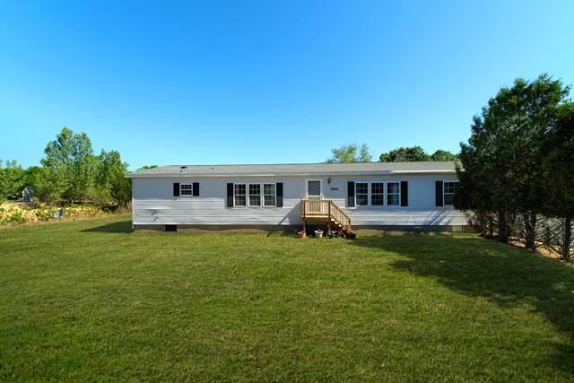 2606 W County Line Road, Manistee, MI 49660 (MLS #21023691) :: BlueWest Properties